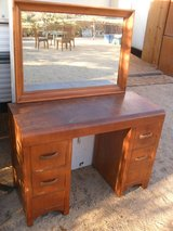 ##  Vintage Desk  ## in 29 Palms, California