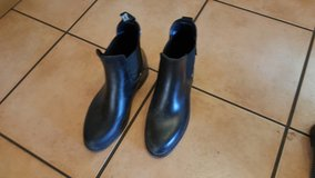 riding boots size 1.5 (33 German) in Ramstein, Germany