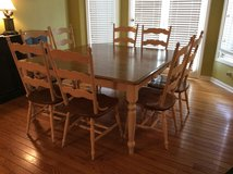 Canadel kitchen table &. 8 chairs in Glendale Heights, Illinois