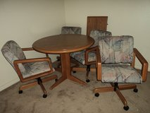Oak Dining Room Set 4 Cairs with Leaf in Tifton, Georgia