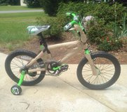 "brand new 18"" boy bike in Beaufort, South Carolina"