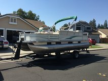 2005 pontoon boat in Fairfield, California
