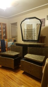 Dresser, mirror and 2 night stands. in Alamogordo, New Mexico