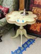 Floral Wood Accent Table (1413-86) in Camp Lejeune, North Carolina