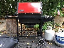 : ) Weber Grill w/Propane Tank & Cover in Glendale Heights, Illinois
