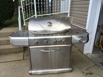 Gas Grill that was made into a Charcoal Grill in Elizabethtown, Kentucky