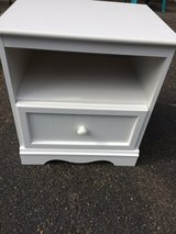 White Night Stand - Excellent Condition! in Fort Lewis, Washington