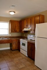 SPECIAL- First full month free!! 2 Bed 1 Bath Apartment!!! in Fort Campbell, Kentucky