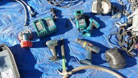 18v LI impact driver & 12v drill Tools w/charger Only Makita in 29 Palms, California