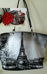 From Paris with Love Gift Set in Bolling AFB, DC