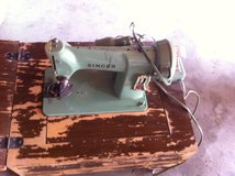 Singer Sewing Machine with counter cabinet in 29 Palms, California