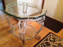 End table  metal/glass in Algonquin, Illinois