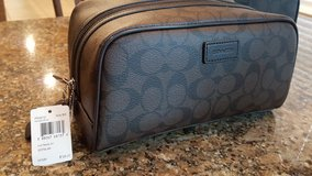 Coach Toiletry/travel bag (Genuine with tag) in Kingwood, Texas