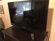 37' Magnavox LED SMART Flatscreen w/ Built in DVD` 2015 in Lackland AFB, Texas