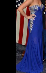 Ball gown size 8 in Beaufort, South Carolina