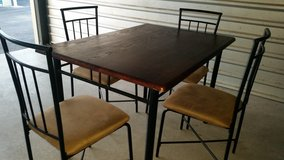 Breakfast table set with 4 chairs in Fort Bliss, Texas