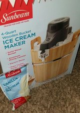 Sunbeam Ice Cream Maker w/ Ice Cream Mix in Nellis AFB, Nevada