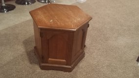 End table in Naperville, Illinois