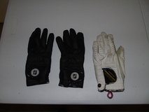 Golf Gloves in Fort Riley, Kansas