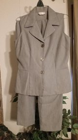 Reduced - Jaclyn Smith Suit in Alamogordo, New Mexico