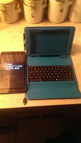 """BRAND NEW 8"""" tablet with keyboard case *Reduced price in Beaufort, South Carolina"""