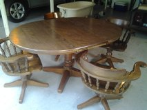 Dining room table w/four (4) swivel chairs in Beaufort, South Carolina