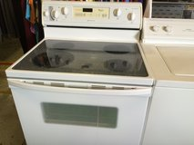 White glass top stove (WARRANTY) in Fort Knox, Kentucky