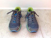 Boys Under Armour Gym Shoes - Youth Size 6.5 in Glendale Heights, Illinois