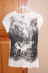 NWT Juniors Horse T-Shirt in Fort Leonard Wood, Missouri