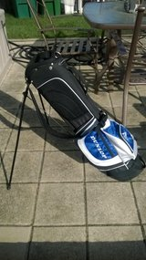 Dunlop Golf Bag w/Stand & Strap in Westmont, Illinois