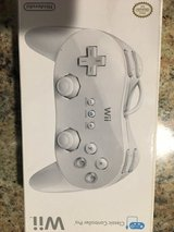 Classic controller pro (wii) in Fort Leonard Wood, Missouri