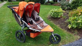 BOB Revolution Double Jogging Stroller in Glendale Heights, Illinois