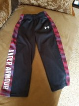 Under Armour boy pants in Chicago, Illinois