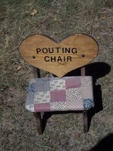 Chid's / Doll Pouting Chair Cute! in Alamogordo, New Mexico
