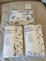 Duvet cover + 2 matching standard size pillowcase sets in 29 Palms, California