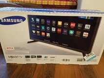 Samsung smart tv in Fort Lewis, Washington