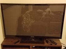 "51"" Samsung 3D Plasma TV W/3D blu-ray player and glasses in Travis AFB, California"