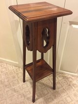 Plant Stand in Naperville, Illinois