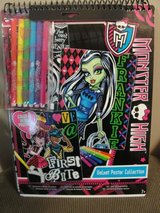 MONSTER HIGH VELVET POSTER COLLECTION PEN & POSTER SET in Camp Lejeune, North Carolina