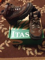 Youth Hunting Boots size 3 in Fort Leonard Wood, Missouri