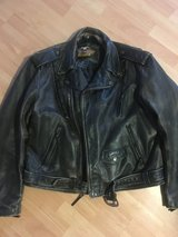 Harley Davidson heavy leather riding jacket with removable liner in Grafenwoehr, GE