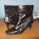 Nine West Boots Size 11 in Bolingbrook, Illinois