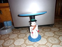 CUTE SNOWMAN TABLE - $15 (HARKER HEIGHTS) in Fort Hood, Texas