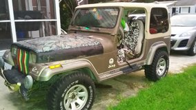 1991 jeep wrangler sahara in Camp Lejeune, North Carolina