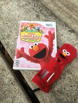 Wii Elmo with case in Kingwood, Texas