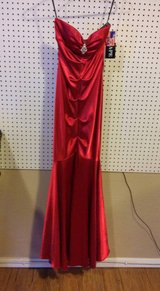 Red Ball Gown Size 2 in 29 Palms, California