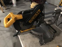 "12"" Dewalt Sliding Compound Mitre Saw in Kingwood, Texas"