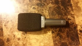 Sennheiser e609 Silver mic in Lake Charles, Louisiana