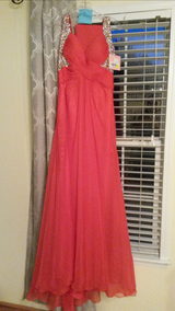 Candy apple Red ball gown, sequined bodice size 7 in Camp Lejeune, North Carolina
