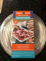 New NordicWare Microwave Grill for Meat and Bacon in Glendale Heights, Illinois